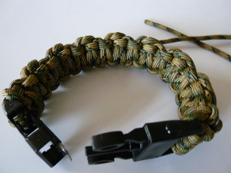 Bracelet de survie cobra+ tressage en croix avec Allume-feu & Sifflet P1030524