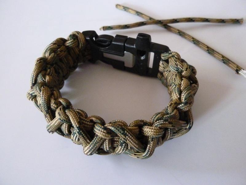 Bracelet de survie cobra+ tressage en croix avec Allume-feu & Sifflet P1030525