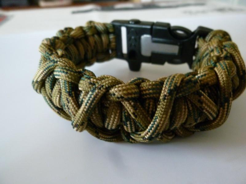 Bracelet de survie cobra+ tressage en croix avec Allume-feu & Sifflet P1030527