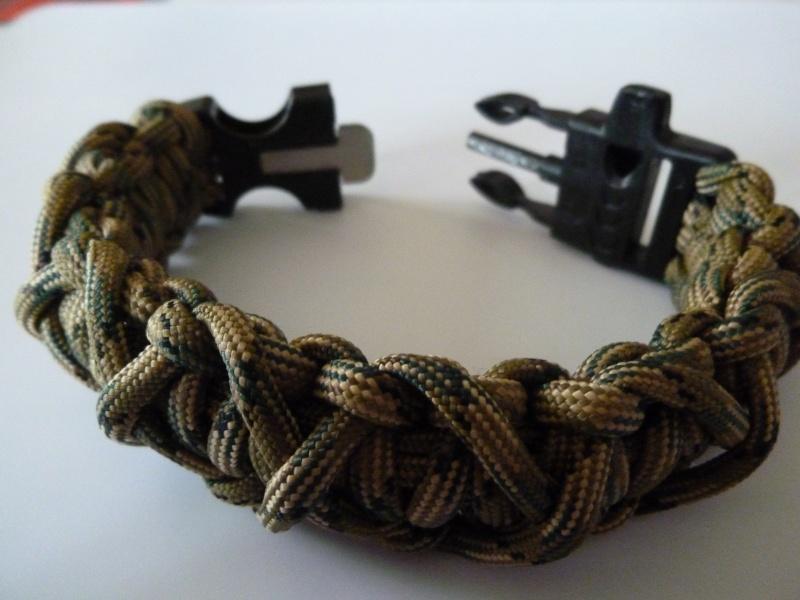 Bracelet de survie cobra+ tressage en croix avec Allume-feu & Sifflet P1030530