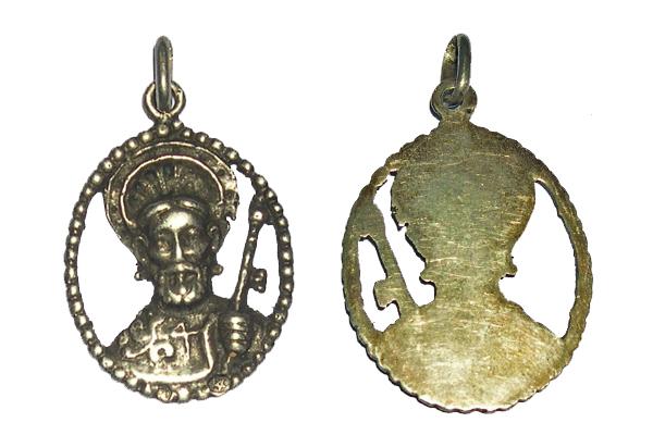 medalla calada de Santiago  S. XX (R.M.PFV-Santiago sedente in Cathedra 2) Santia12