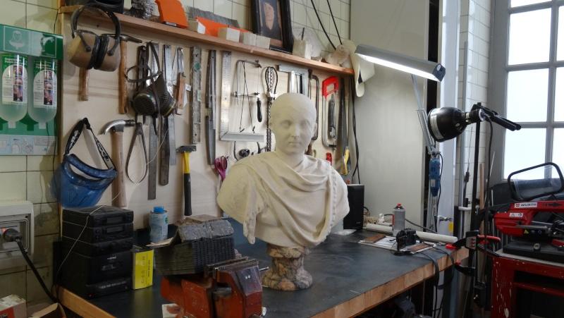 Visite à l'atelier de restauration des sculptures du C2RMF Dsc05431