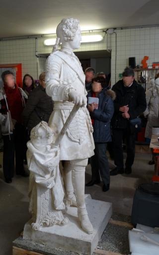 Visite à l'atelier de restauration des sculptures du C2RMF - Page 2 Dsc05439