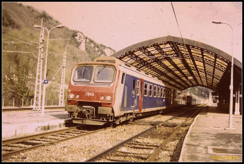 Pk 082,2 : Gare de Foix (09) - 1998 :  Z-7362 au printemps Pict0028
