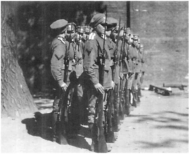 Les femmes Russes dans la grande Guerre Bat_fe16