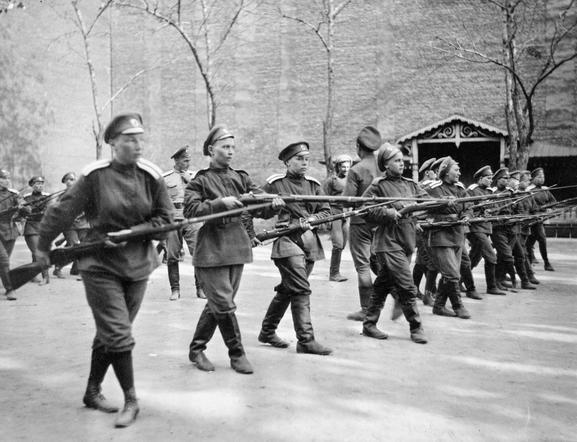 Les femmes Russes dans la grande Guerre Bat_fe17