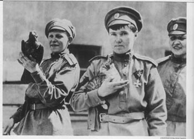 Les femmes Russes dans la grande Guerre Bat_fe20