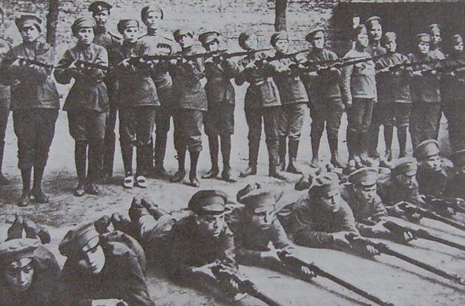 Les femmes Russes dans la grande Guerre Bat_fe21