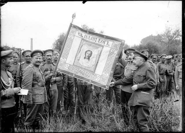 Les brigades Russes en France Drapea10