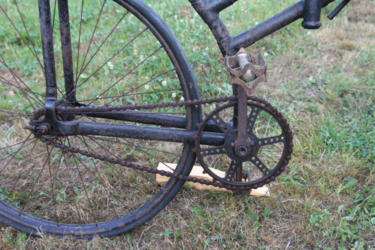 Les cyclistes et leurs matériels. Vylo_r14