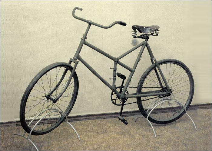 Les cyclistes et leurs matériels. Vylo_r16