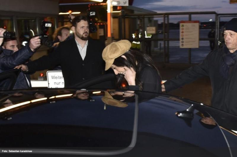 George Clooney & Amal arrive in Berlin 10.02.2016 Oo610