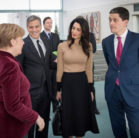 George Clooney to meet with Angela Merkel in Berlin - Page 2 Uu310