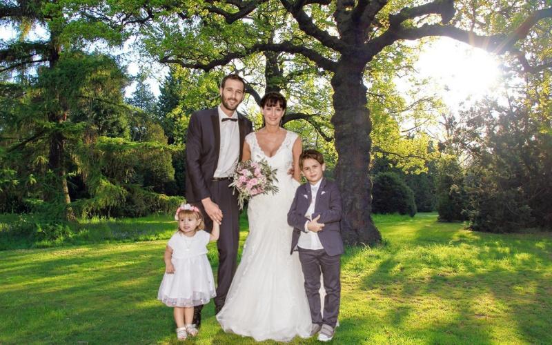 détourage de mariés et leurs 2 enfants  Cc032910