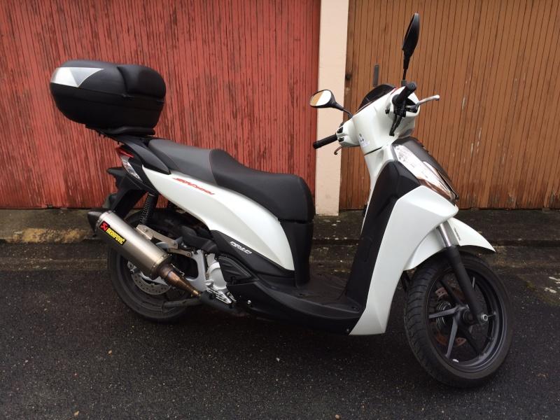 SH300i Sporty ABS - blanc mat - 2013 Img_7212