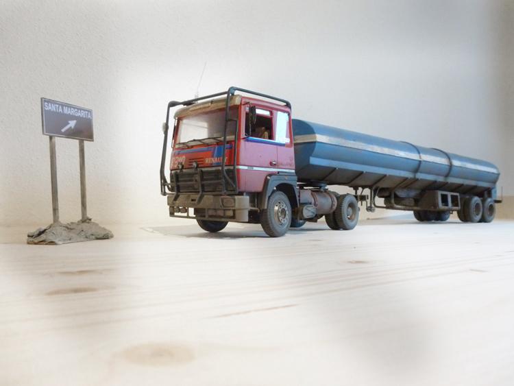 Renault 310 Italeri mit Tanktrailer 1:24 --Wasser für Santa Margerita Fa0110