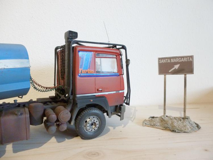 Renault 310 Italeri mit Tanktrailer 1:24 --Wasser für Santa Margerita Fa01110