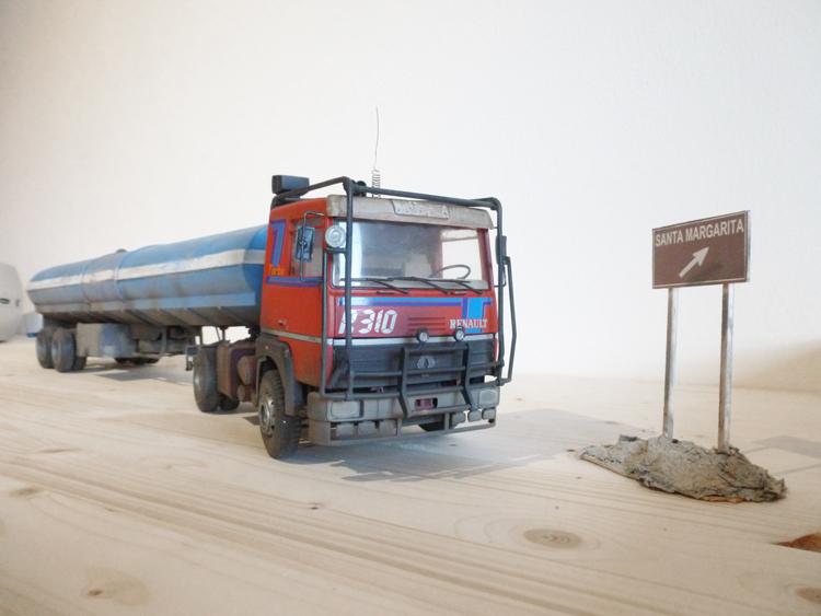 Renault 310 Italeri mit Tanktrailer 1:24 --Wasser für Santa Margerita Fa01210