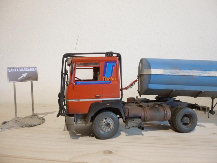 Renault 310 Italeri mit Tanktrailer 1:24 --Wasser für Santa Margerita Fa0710