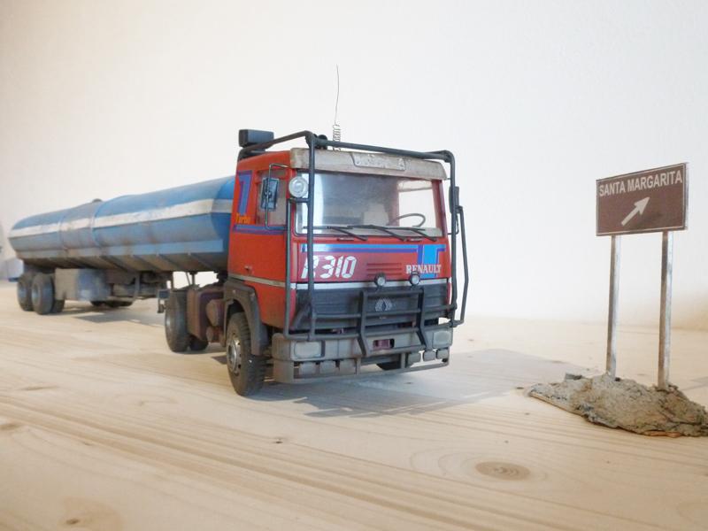 Renault 310 Italeri mit Tanktrailer 1:24 --Wasser für Santa Margerita Fa10
