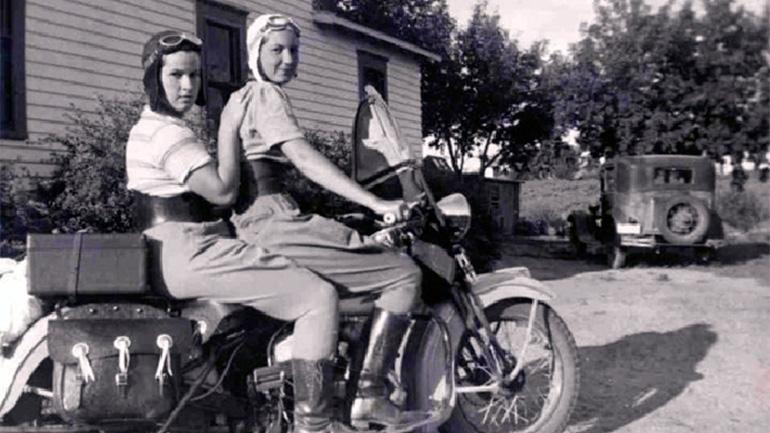 Vieilles photos (pour ceux qui aiment les anciennes photos de bikers ou autre......) - Page 6 2013_110