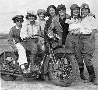 Vieilles photos (pour ceux qui aiment les anciennes photos de bikers ou autre......) - Page 8 Aold1010