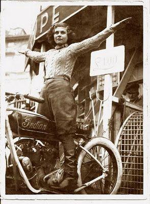 Vieilles photos (pour ceux qui aiment les anciennes photos de bikers ou autre......) - Page 8 Aold1310