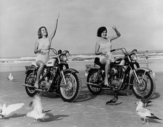 Vieilles photos (pour ceux qui aiment les anciennes photos de bikers ou autre......) - Page 8 Aold1510