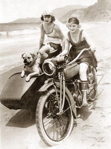 Vieilles photos (pour ceux qui aiment les anciennes photos de bikers ou autre......) - Page 8 Aold1810