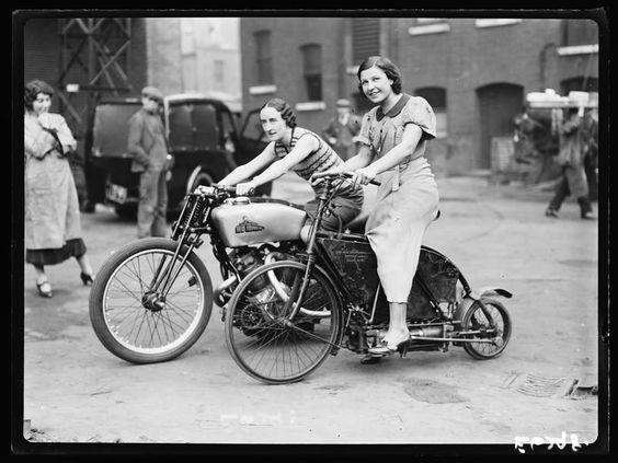 Vieilles photos (pour ceux qui aiment les anciennes photos de bikers ou autre......) - Page 8 Aold2410