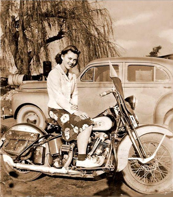 Vieilles photos (pour ceux qui aiment les anciennes photos de bikers ou autre......) - Page 8 Aold410