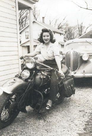 Vieilles photos (pour ceux qui aiment les anciennes photos de bikers ou autre......) - Page 8 Aold810