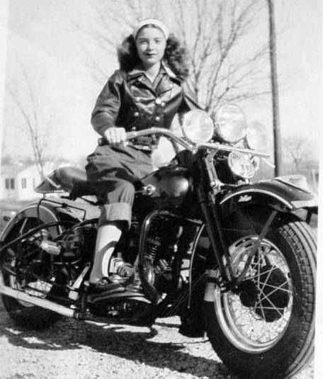 Vieilles photos (pour ceux qui aiment les anciennes photos de bikers ou autre......) - Page 8 Aold910