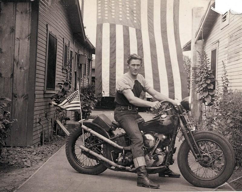 Vieilles photos (pour ceux qui aiment les anciennes photos de bikers ou autre......) - Page 2 Arden_10