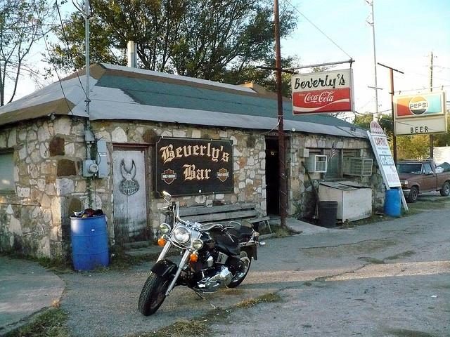 Bar, pub, resto bikers Bbar10