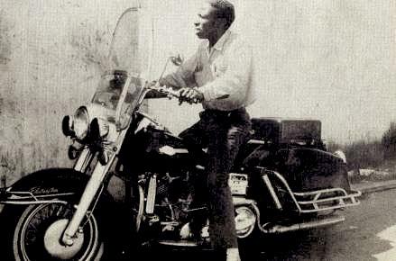 Vieilles photos (pour ceux qui aiment les anciennes photos de bikers ou autre......) - Page 6 Ben_ha10
