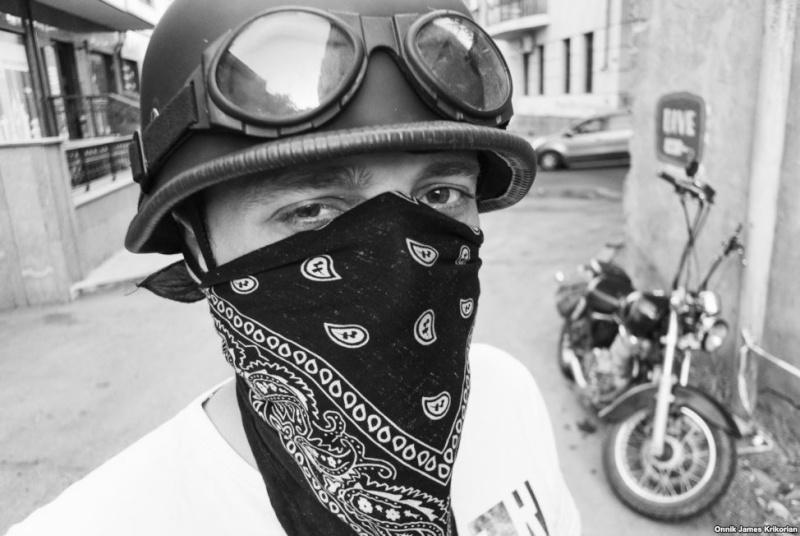 Biker et fier de l'être - Page 2 Bikere10