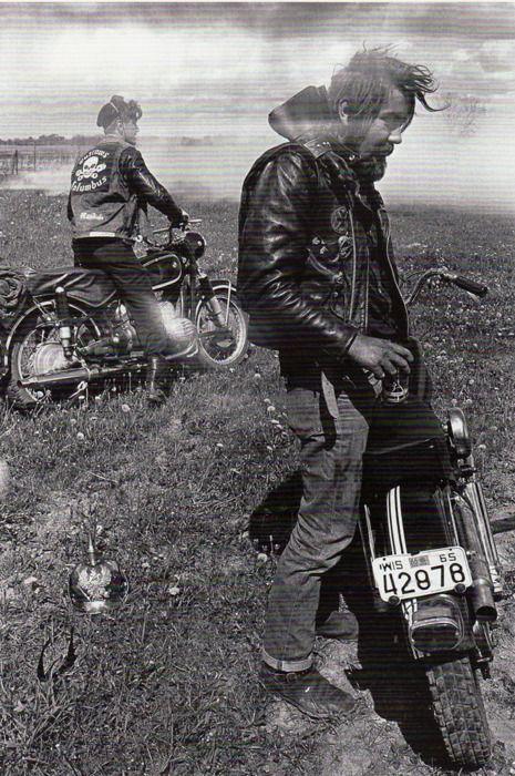 Vieilles photos (pour ceux qui aiment les anciennes photos de bikers ou autre......) - Page 8 Bikers22