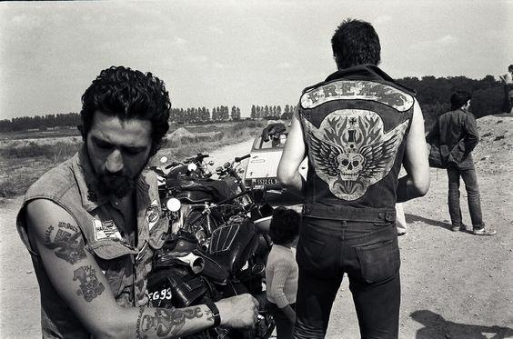 Vieilles photos (pour ceux qui aiment les anciennes photos de bikers ou autre......) - Page 9 Bke610