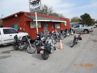 Bar, pub, resto bikers - Page 2 Camp_10