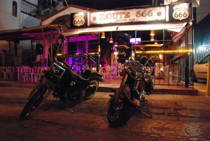 Bar, pub, resto bikers Cancun10
