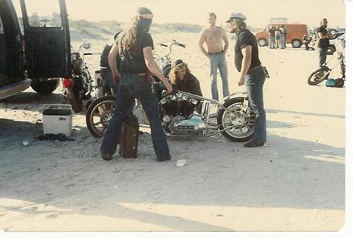 Vieilles photos (pour ceux qui aiment les anciennes photos de bikers ou autre......) - Page 2 Dayton14