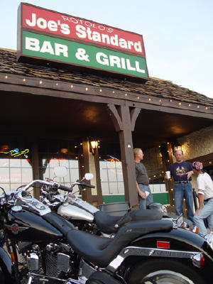 Bar, pub, resto bikers - Page 2 Dsc01410