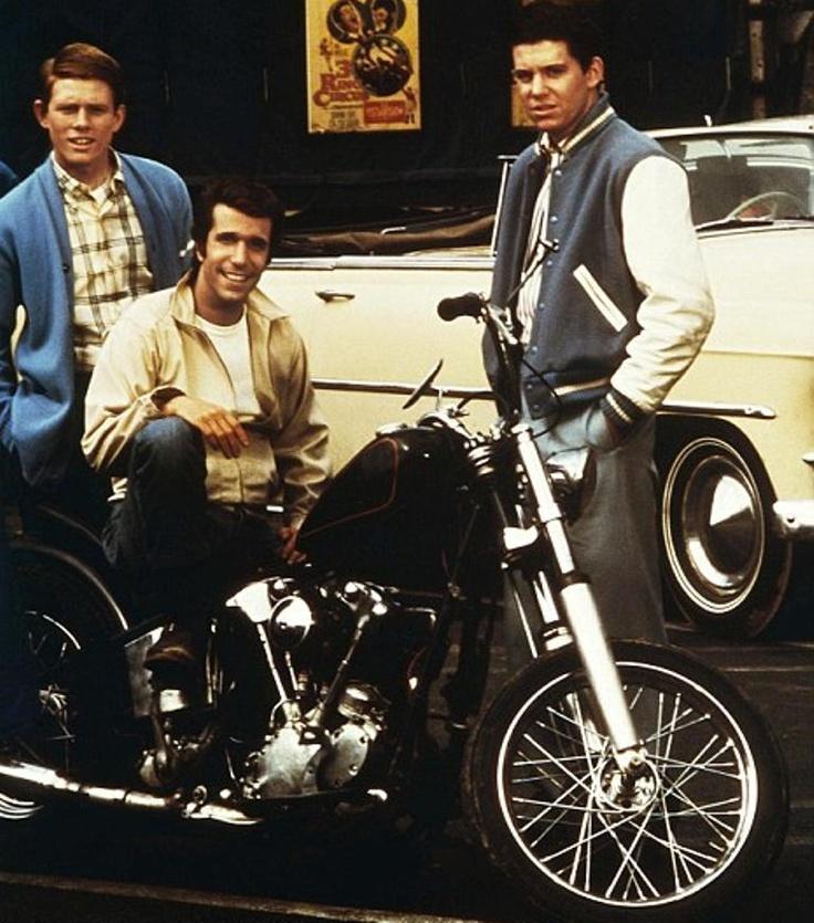 Vieilles photos (pour ceux qui aiment les anciennes photos de bikers ou autre......) - Page 2 Fonzie10