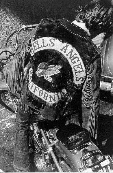 Vieilles photos (pour ceux qui aiment les anciennes photos de bikers ou autre......) - Page 8 Ha10