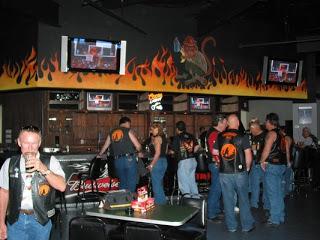 Bar, pub, resto bikers - Page 2 L10