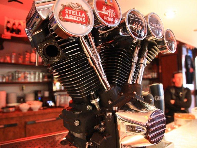 Bar, pub, resto bikers - Page 3 La-pom10