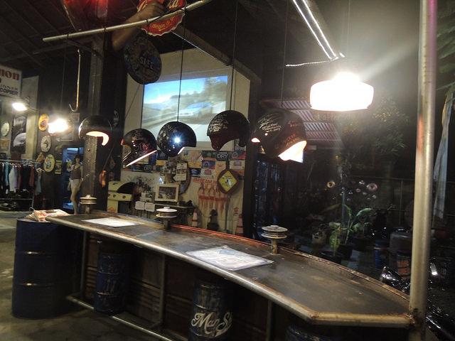 Bar, pub, resto bikers Manshe11