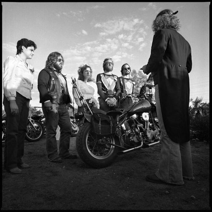 Vieilles photos (pour ceux qui aiment les anciennes photos de bikers ou autre......) - Page 2 Mariag10
