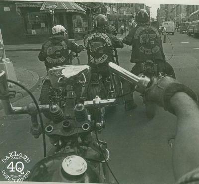 Vieilles photos (pour ceux qui aiment les anciennes photos de bikers ou autre......) - Page 8 Oldb110